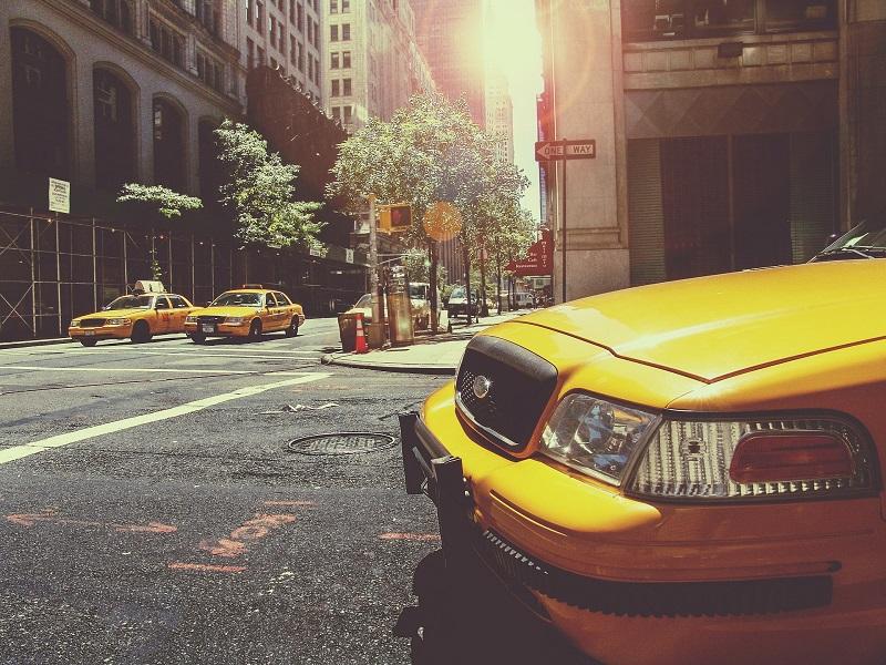 Quels avantages à louer les services d'un taxi ?