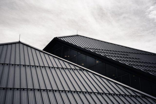 Les avantages d'engager un couvreur pour les travaux de toitures